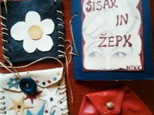 Nekdo bi lahko odprl trgovino z torbicami iz odpadnih kosov usnja in umetniških ovitkov za knjige...
